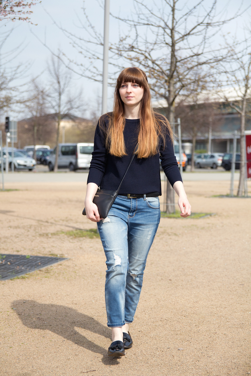 boyfriend jeans, style, outfit, slipper, how to, casual look, basics
