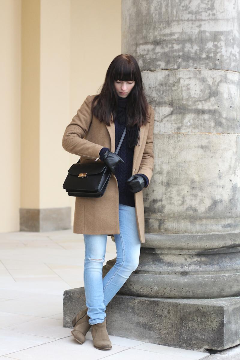 outfit, look, Fashionblogger, Modeblogger, camel coat, karamellfarbener Mantel, ripped jeans, knitwear