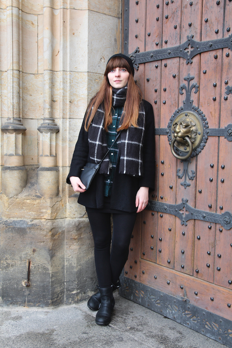 tartan, plaid, casual look, outfit, leggings, blogger, winter