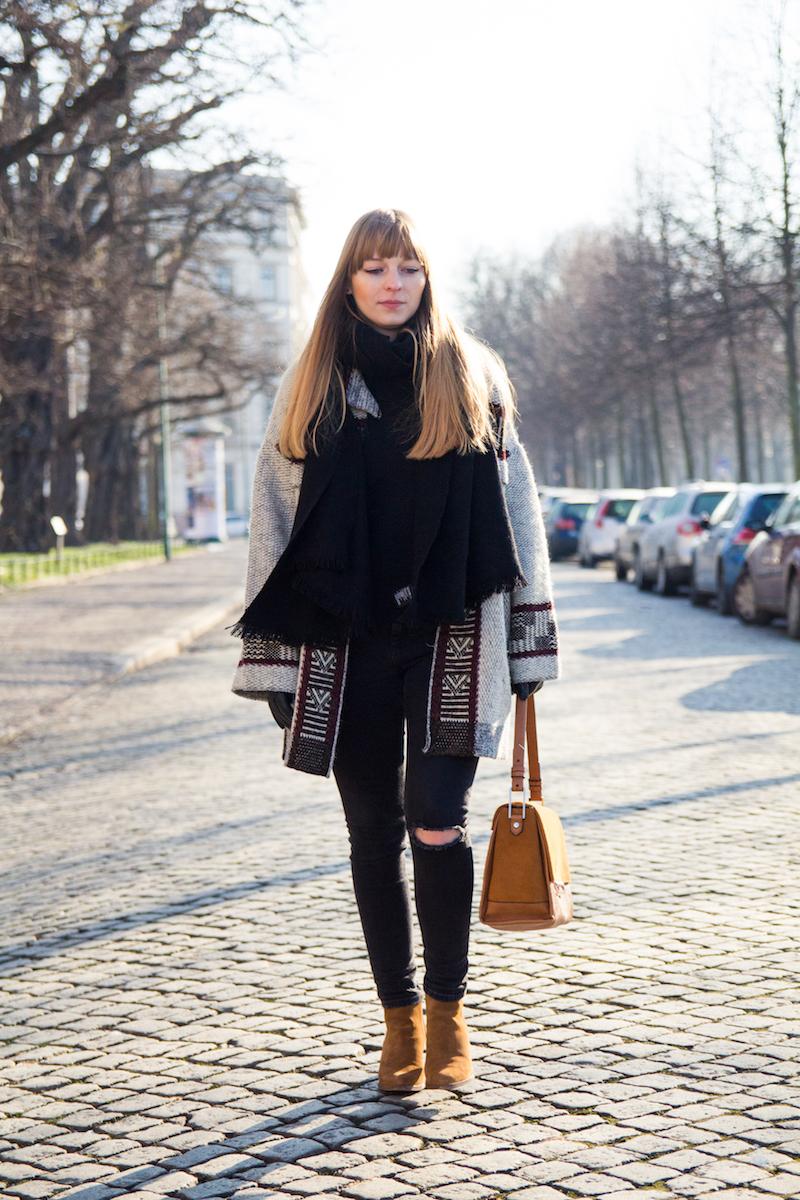 Blogger, Outfit für den Winter, oversized Strickcardigan, knit cardigan, Zara, Asos, ripped jeans,