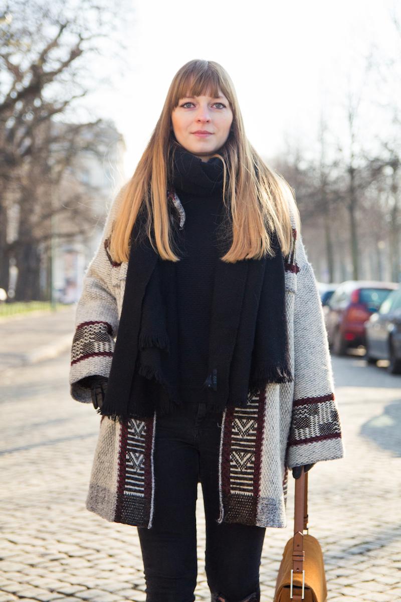 detail, oversized scarf, schwarzer Schal, COS, Strickcardigan Zara, was anziehen im Winter, wie kombiniere ich einen oversized cardigan, Strickcardigan