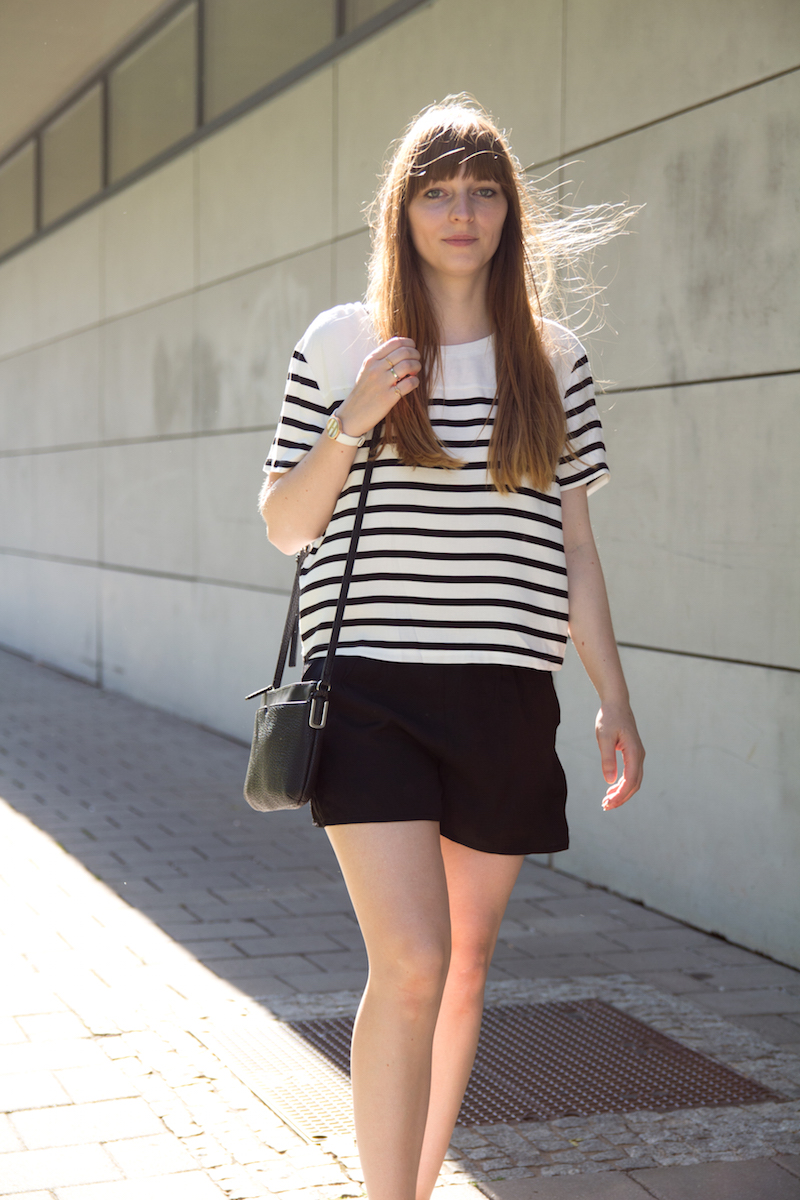 black an white, shorts, stripes, summer outfit. bloggeroutfit