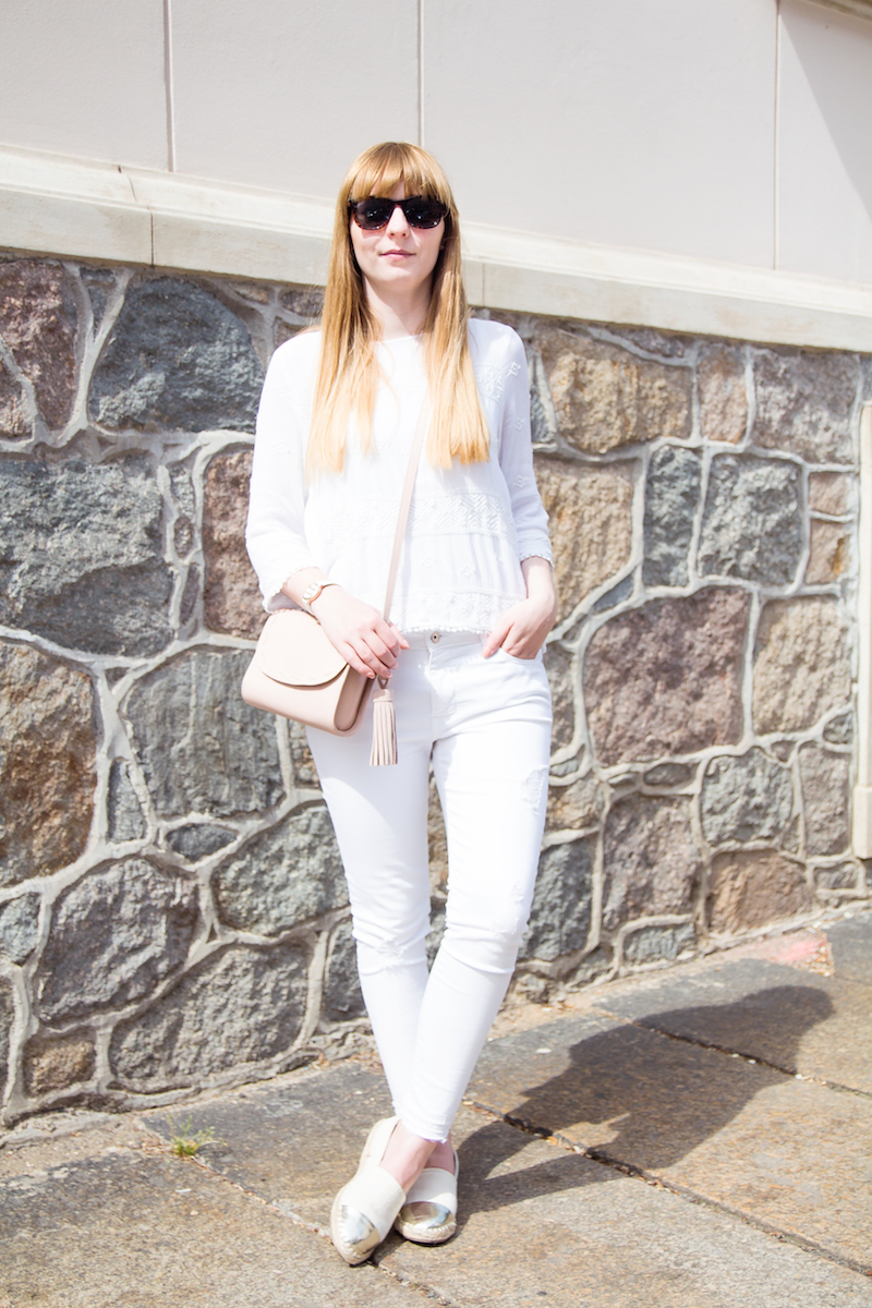 all white outfit, look, metallic cap toe espadrilles, streetstyle, how to wear, wie trage ich