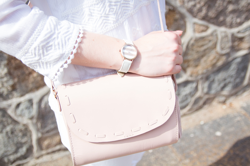 all white outfit, look, rosa tasche, rose bag, detail, streetstyle, how to wear, wie trage ich