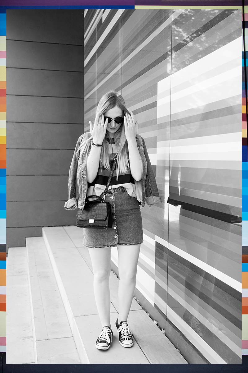Fashionblogger, bunte Streifen, denim on denim, Jeans mit Jeans, wie kombiniere ich, how to wear, Streetstyle, button front skirt, geknöpfter Rock