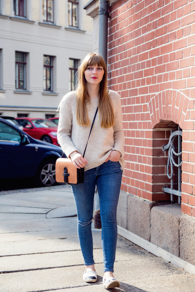 cozy sweater, knitwear, ripped jeans, autumn look, espadrilles. howtostyle, fashionblogger