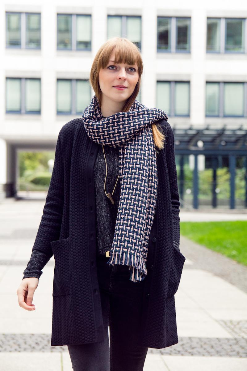 detail, braided wool scarf, wollschal
