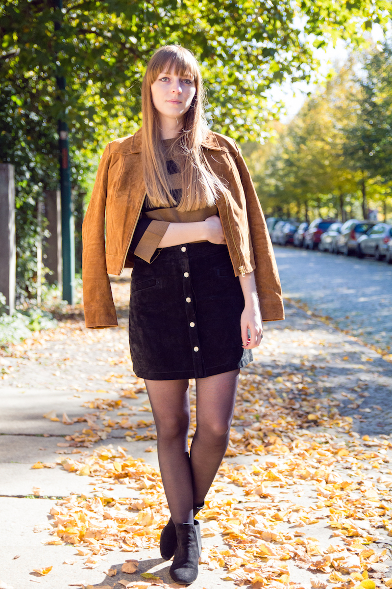 look, suede button front skirt, button down skirt, chelsea boots, Wildlederrock, Wildlederjacke, 70´s, fashionblogger