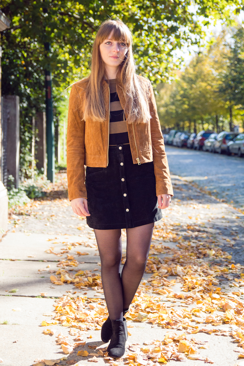 outfit, look, suede button front skirt, button down skirt, chelsea boots, Wildlederrock, Wildlederjacke, blogger, bloggerstyle