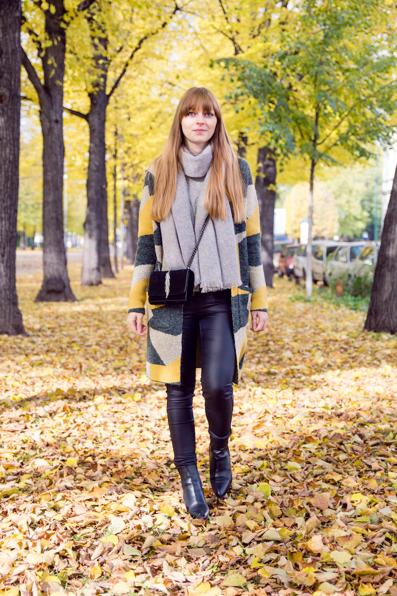 autumn, cardigan, selected femme, leather pants, chelsea boots, blogger outfit, style
