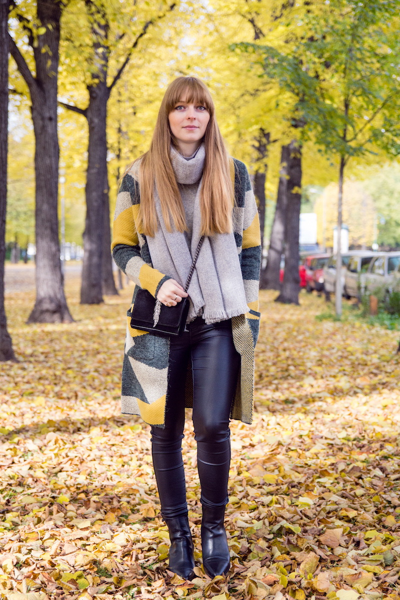 autumn, cardigan, selected femme, leather pants, chelsea boots, blogger outfit, look, style
