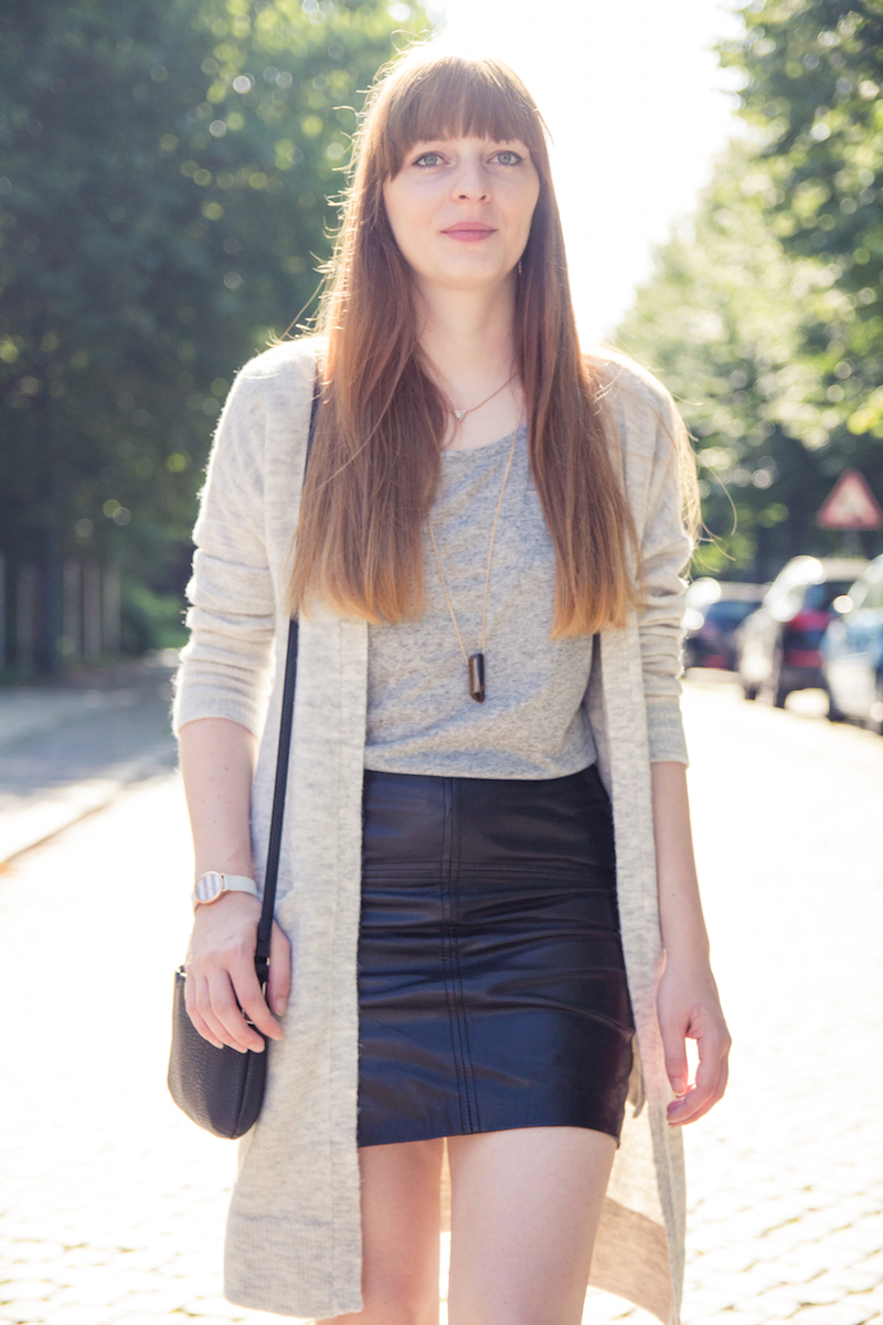 leather skirt, look, grey, cardigan, new look, casual, basics, bloggerstyle, streetstyle