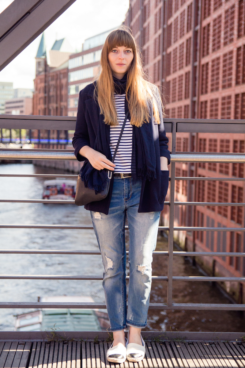 Boyfriend jeans, style, look, Outfit, gestreiftes Shirt, stripes, casual, travel look