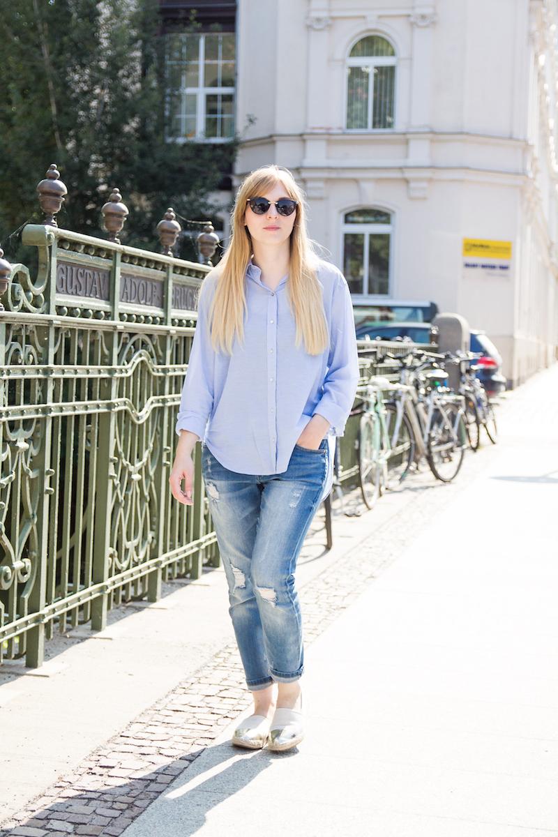 travel outfit, Reiseoutfit, lässig, bequem, boyfriend jeans, Espadrilles