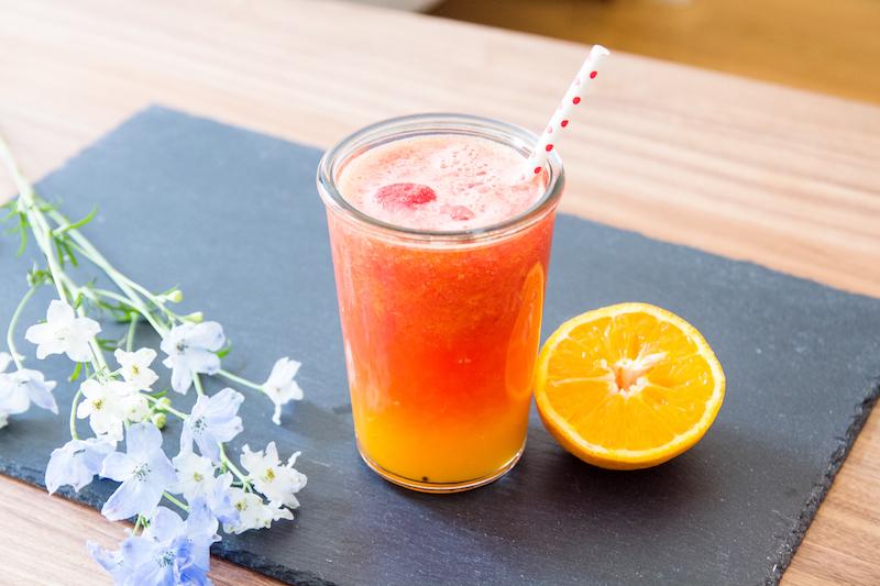 erfrischender Sommerdrink mit Orange und Wassermelone, refreshing summer drink with watermelon and orange juice