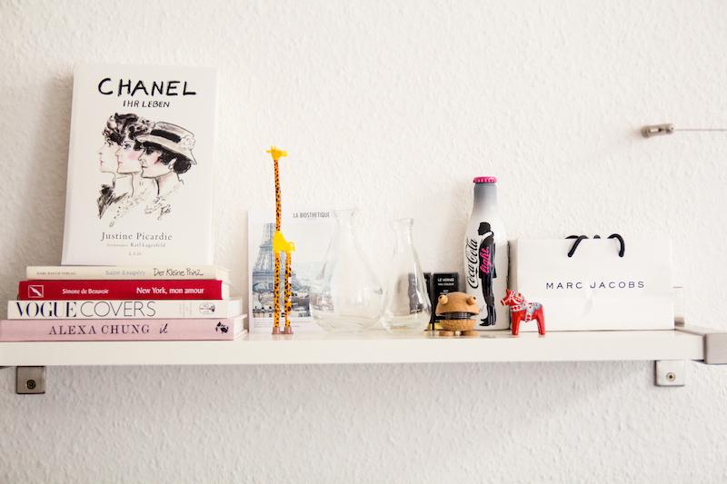 Deko, Regal, coffe table books, kvak, Holzpferd, Schweden